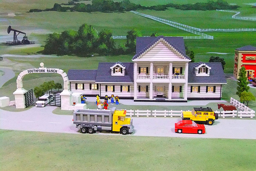 Legoland discovery center dallas grapevine texas review for Southfork ranch house floor plan